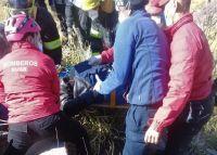 Rescataron a un motociclista que cayó por un barranco en las Altas Cumbres