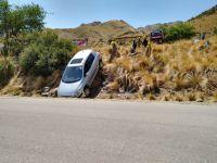 Complicado rescate de un vehículo en el Mirador del Tala