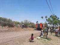 Villa de Merlo: Incendio forestal en el barrio Quintas del Tomero