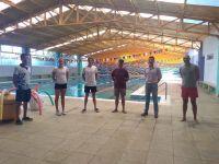 Integrantes de la Selección Juvenil Argentina de Natación entrenan en Merlo