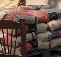 Allanamiento: Recuperan veinte bolsas de cemento