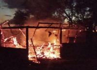 Traslasierra: Quisieron hacer un asado y terminaron incendiando el quincho