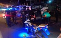 Realizaron un operativo policial en el que hubo detenidos y retuvieron 21 vehículos