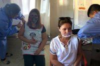 Comenzó la vacunación a docentes menores de 60 años