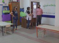 El ministro Dermechkoff recorrió escuelas de la Costa de los Comechingones