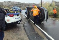 Una pareja de San Luis volcó con su auto en las Altas Cumbres